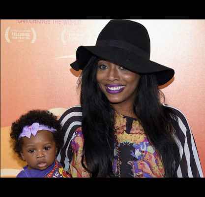 Yandy_Smith_straight_black_hair_with_hat